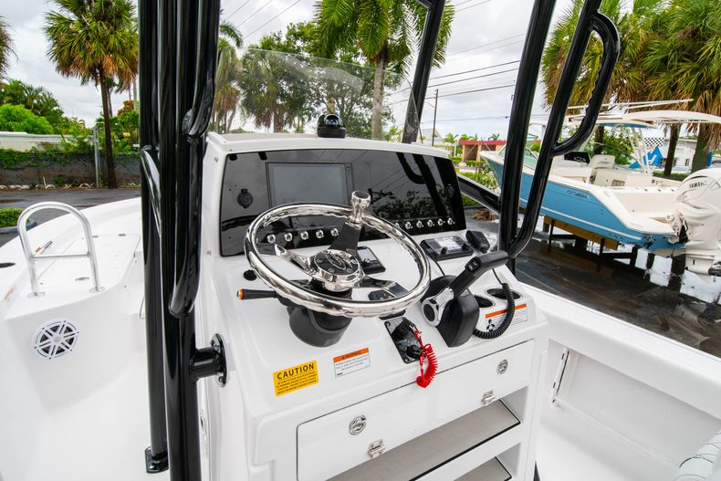 Thumbnail 27 for New 2021 Sportsman Masters 227 Bay Boat boat for sale in West Palm Beach, FL