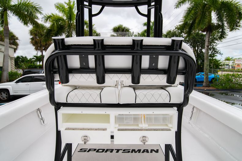 Thumbnail 18 for New 2021 Sportsman Masters 227 Bay Boat boat for sale in West Palm Beach, FL