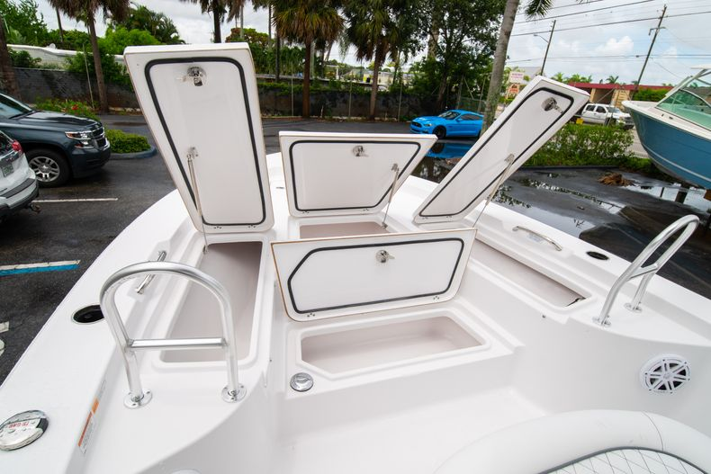 Thumbnail 39 for New 2021 Sportsman Masters 227 Bay Boat boat for sale in West Palm Beach, FL