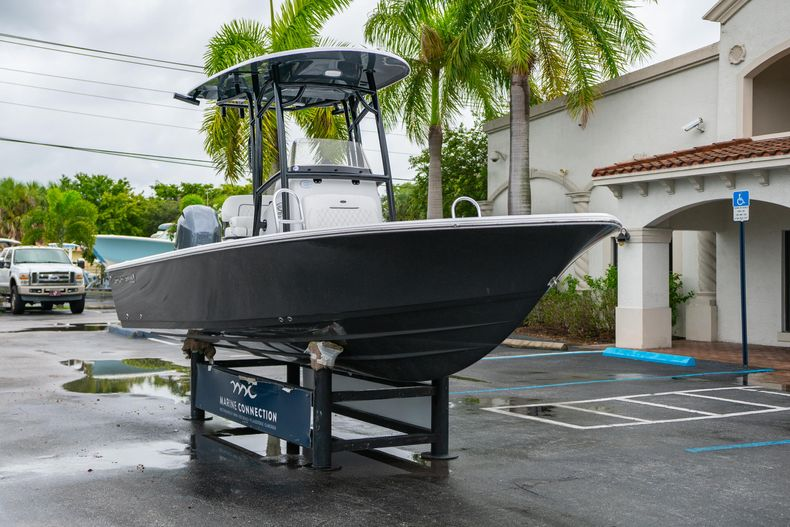 Thumbnail 1 for New 2021 Sportsman Masters 227 Bay Boat boat for sale in West Palm Beach, FL