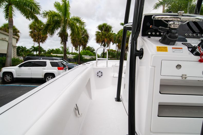 Thumbnail 20 for New 2021 Sportsman Masters 227 Bay Boat boat for sale in West Palm Beach, FL