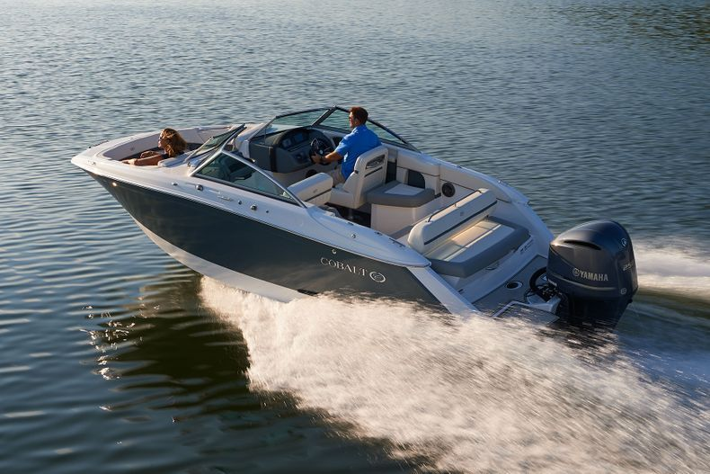Thumbnail 5 for New 2021 Cobalt 23SC boat for sale in West Palm Beach, FL