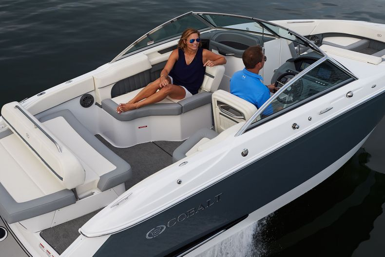 Thumbnail 3 for New 2021 Cobalt 23SC boat for sale in West Palm Beach, FL