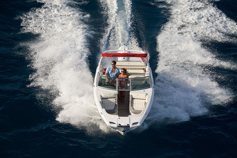 Thumbnail 9 for New 2021 Cobalt 25SC boat for sale in West Palm Beach, FL