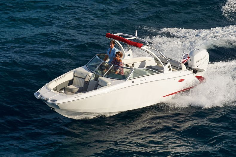 Thumbnail 10 for New 2021 Cobalt 25SC boat for sale in West Palm Beach, FL