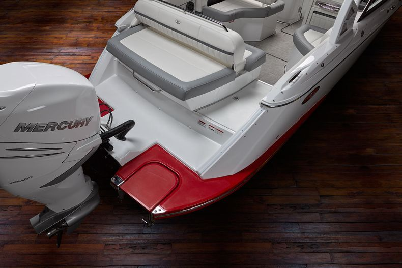 Thumbnail 19 for New 2021 Cobalt 25SC boat for sale in West Palm Beach, FL