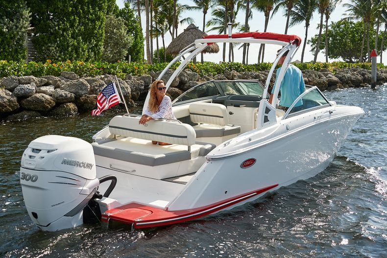 Thumbnail 5 for New 2021 Cobalt 25SC boat for sale in West Palm Beach, FL
