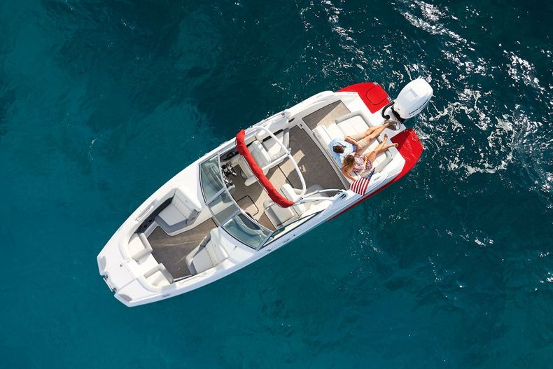 Thumbnail 6 for New 2021 Cobalt 25SC boat for sale in West Palm Beach, FL