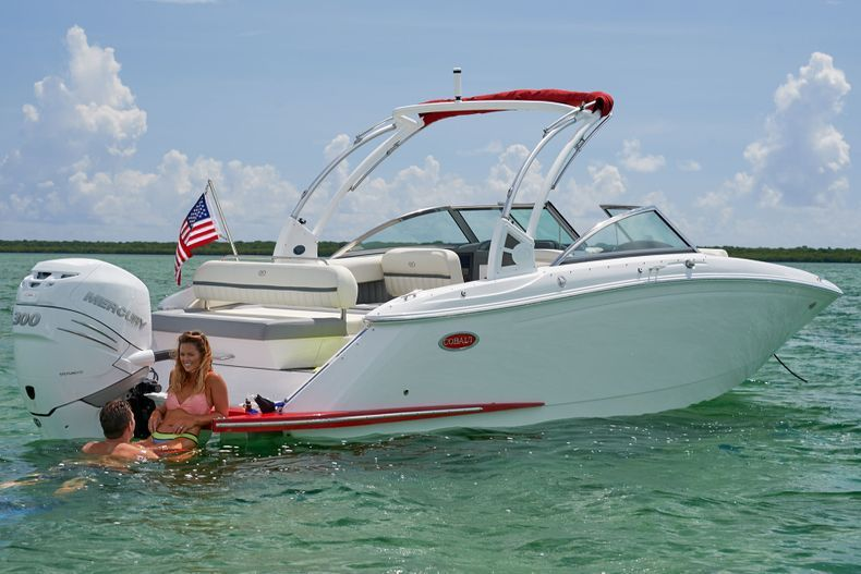 Thumbnail 3 for New 2021 Cobalt 25SC boat for sale in West Palm Beach, FL