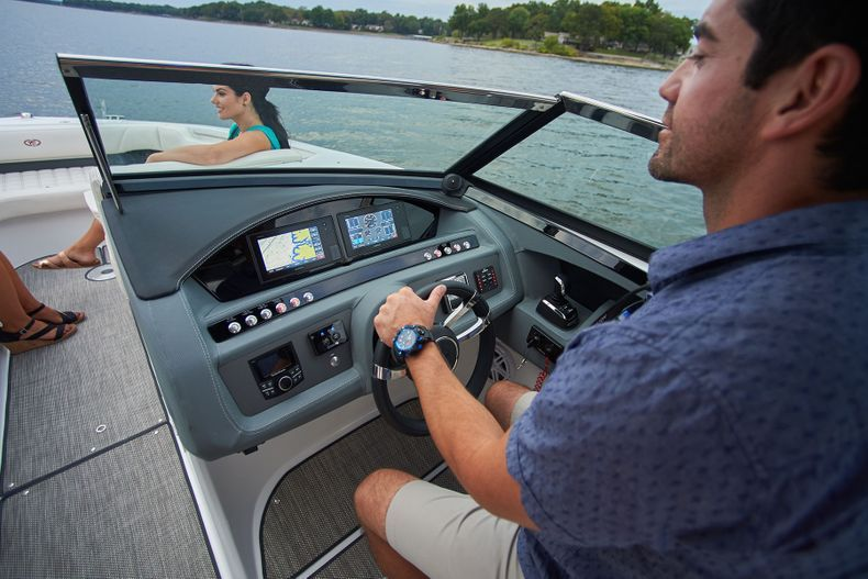 Thumbnail 17 for New 2021 Cobalt 30SC boat for sale in West Palm Beach, FL