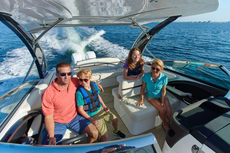 Thumbnail 14 for New 2021 Cobalt 30SC boat for sale in West Palm Beach, FL