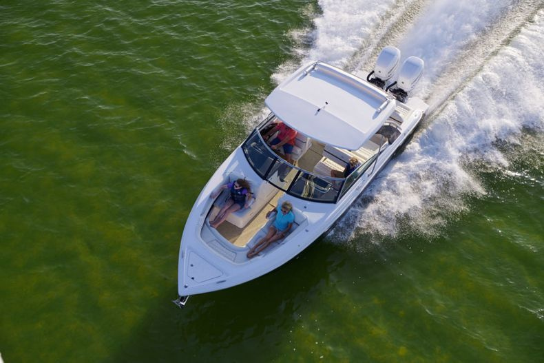 Thumbnail 9 for New 2021 Cobalt 30SC boat for sale in West Palm Beach, FL