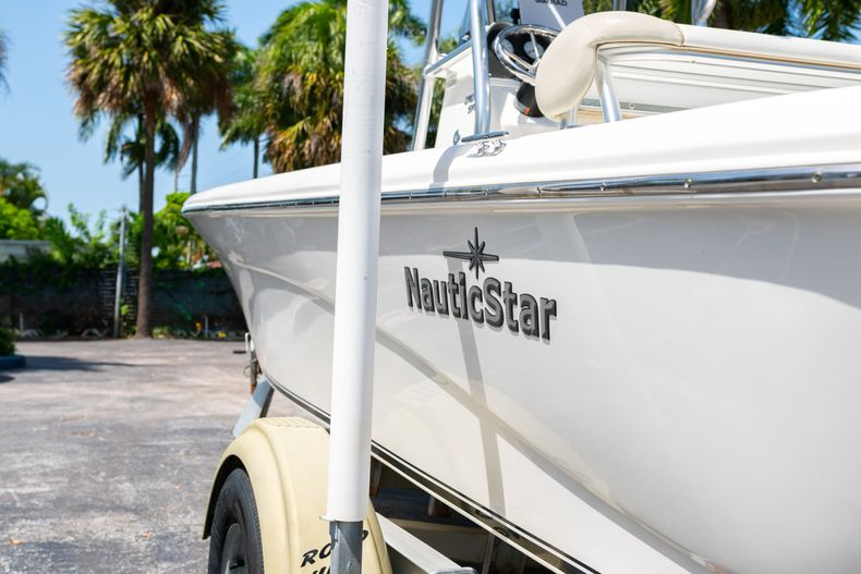 Thumbnail 8 for Used 2015 NauticStar 2110 Sport boat for sale in West Palm Beach, FL