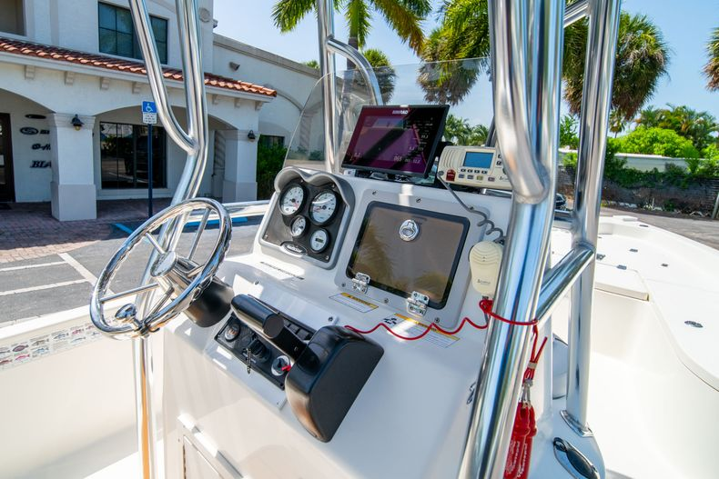 Thumbnail 21 for Used 2015 NauticStar 2110 Sport boat for sale in West Palm Beach, FL