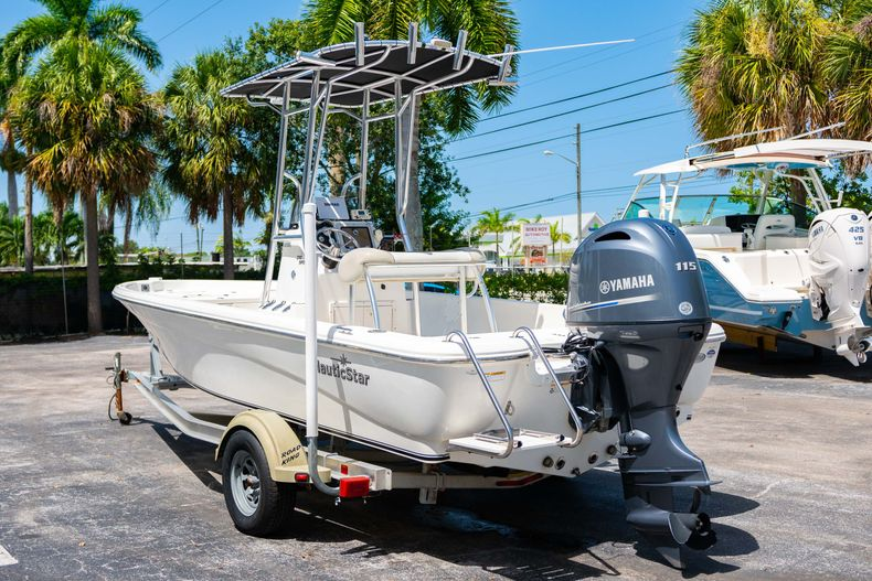 Thumbnail 7 for Used 2015 NauticStar 2110 Sport boat for sale in West Palm Beach, FL