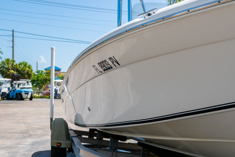 Thumbnail 2 for Used 2015 NauticStar 2110 Sport boat for sale in West Palm Beach, FL
