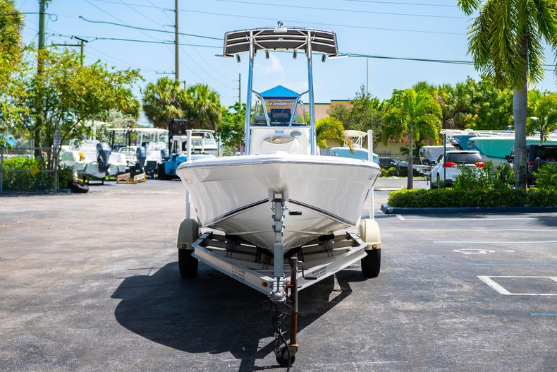 Thumbnail 3 for Used 2015 NauticStar 2110 Sport boat for sale in West Palm Beach, FL