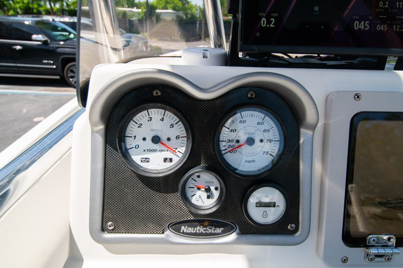 Thumbnail 25 for Used 2015 NauticStar 2110 Sport boat for sale in West Palm Beach, FL