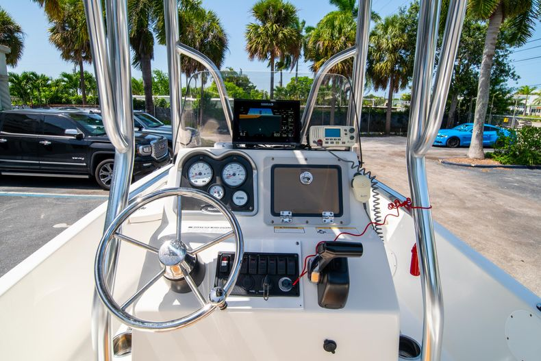 Thumbnail 27 for Used 2015 NauticStar 2110 Sport boat for sale in West Palm Beach, FL