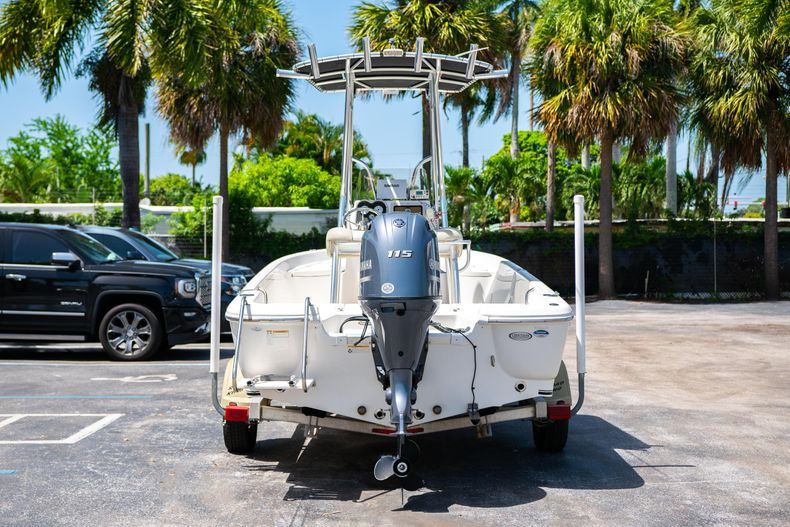 Thumbnail 9 for Used 2015 NauticStar 2110 Sport boat for sale in West Palm Beach, FL