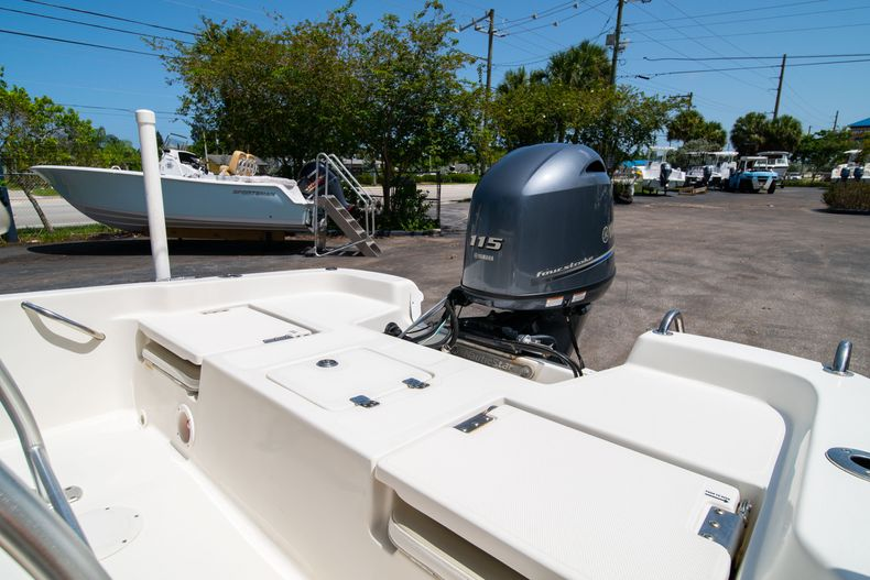 Thumbnail 16 for Used 2015 NauticStar 2110 Sport boat for sale in West Palm Beach, FL