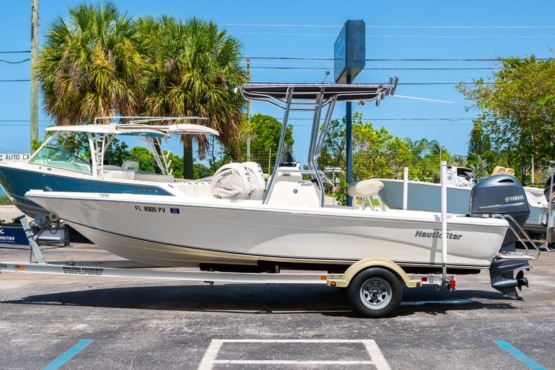 Thumbnail 6 for Used 2015 NauticStar 2110 Sport boat for sale in West Palm Beach, FL