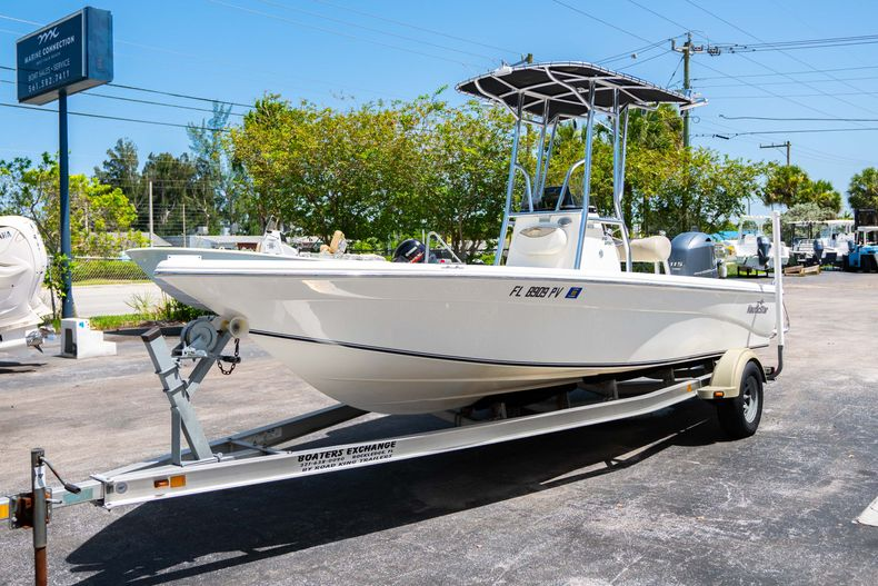Thumbnail 4 for Used 2015 NauticStar 2110 Sport boat for sale in West Palm Beach, FL