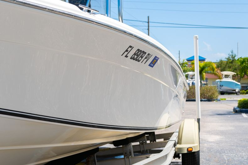 Thumbnail 5 for Used 2015 NauticStar 2110 Sport boat for sale in West Palm Beach, FL