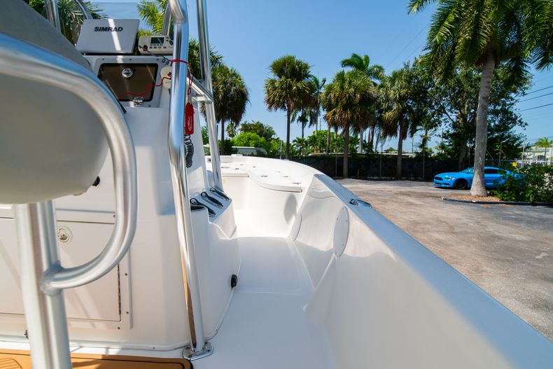 Thumbnail 18 for Used 2015 NauticStar 2110 Sport boat for sale in West Palm Beach, FL