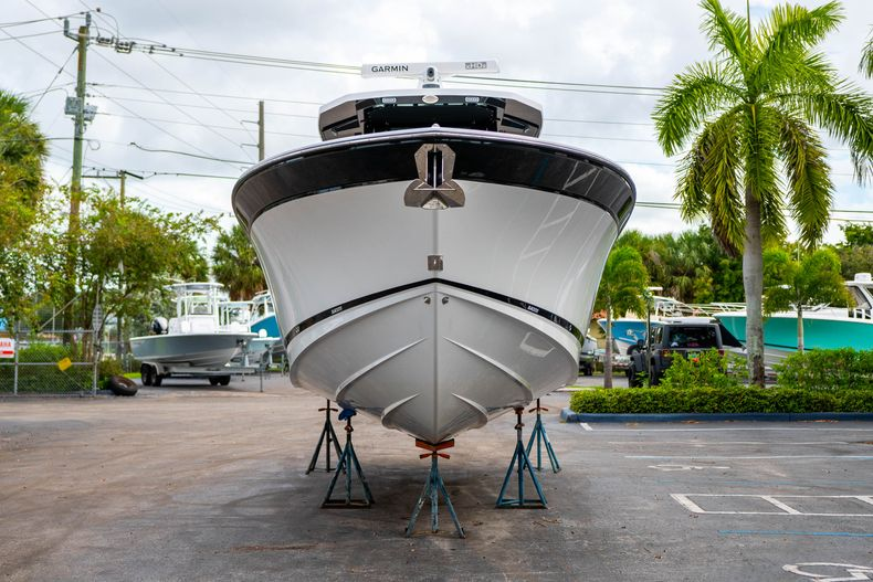 Thumbnail 2 for Used 2020 Blackfin 332CC Center Console boat for sale in Fort Lauderdale, FL