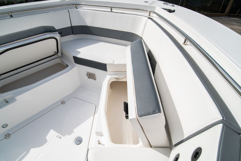 Thumbnail 50 for Used 2020 Blackfin 332CC Center Console boat for sale in Fort Lauderdale, FL