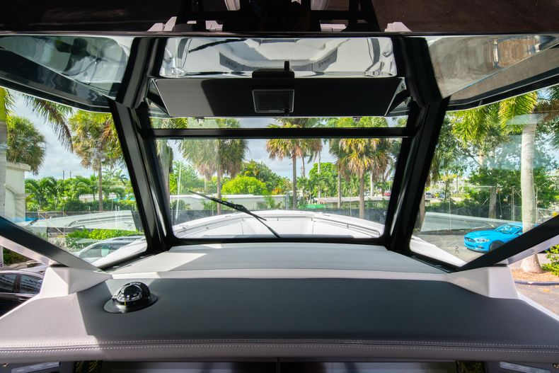 Thumbnail 36 for Used 2020 Blackfin 332CC Center Console boat for sale in Fort Lauderdale, FL