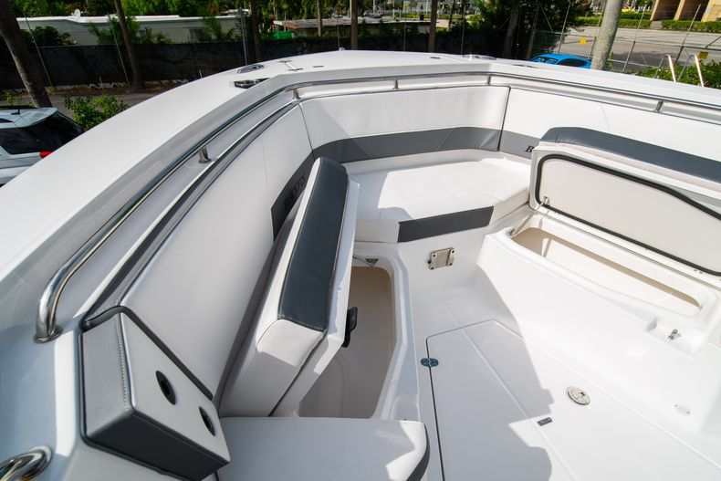 Thumbnail 53 for Used 2020 Blackfin 332CC Center Console boat for sale in Fort Lauderdale, FL