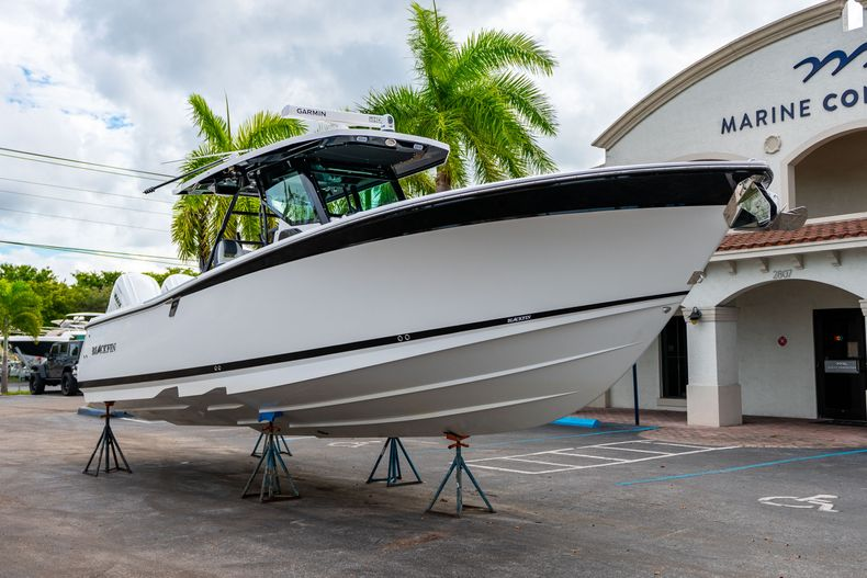 Thumbnail 1 for Used 2020 Blackfin 332CC Center Console boat for sale in Fort Lauderdale, FL