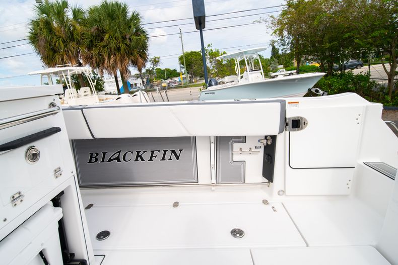 Thumbnail 16 for Used 2020 Blackfin 332CC Center Console boat for sale in Fort Lauderdale, FL