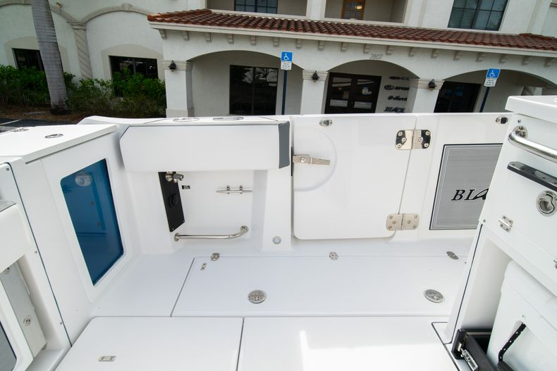 Thumbnail 25 for Used 2020 Blackfin 332CC Center Console boat for sale in Fort Lauderdale, FL