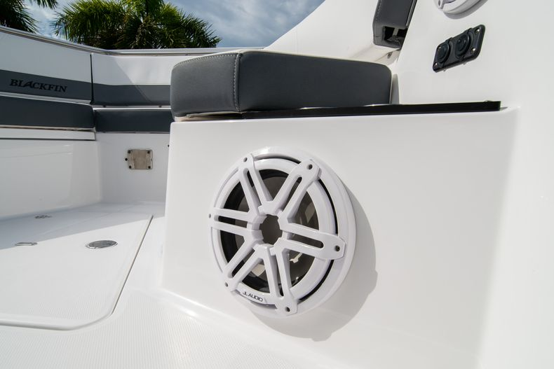 Thumbnail 54 for Used 2020 Blackfin 332CC Center Console boat for sale in Fort Lauderdale, FL