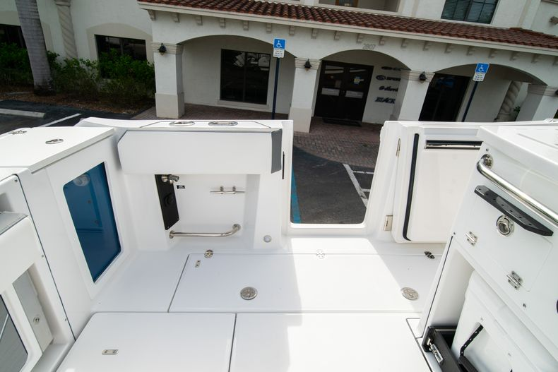 Thumbnail 26 for Used 2020 Blackfin 332CC Center Console boat for sale in Fort Lauderdale, FL