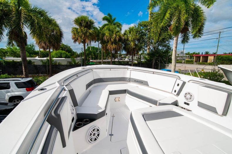 Thumbnail 51 for Used 2020 Blackfin 332CC Center Console boat for sale in Fort Lauderdale, FL