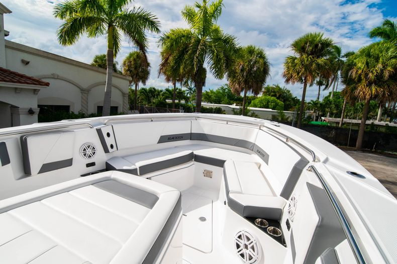 Thumbnail 48 for Used 2020 Blackfin 332CC Center Console boat for sale in Fort Lauderdale, FL