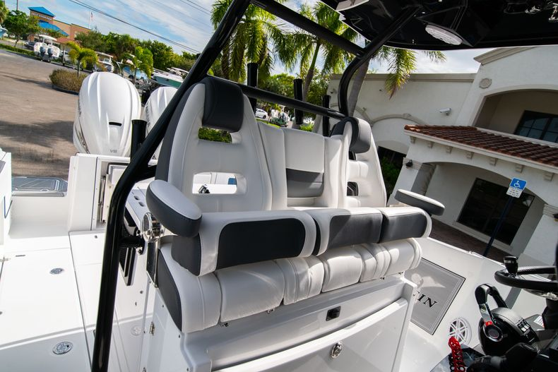 Thumbnail 38 for Used 2020 Blackfin 332CC Center Console boat for sale in Fort Lauderdale, FL