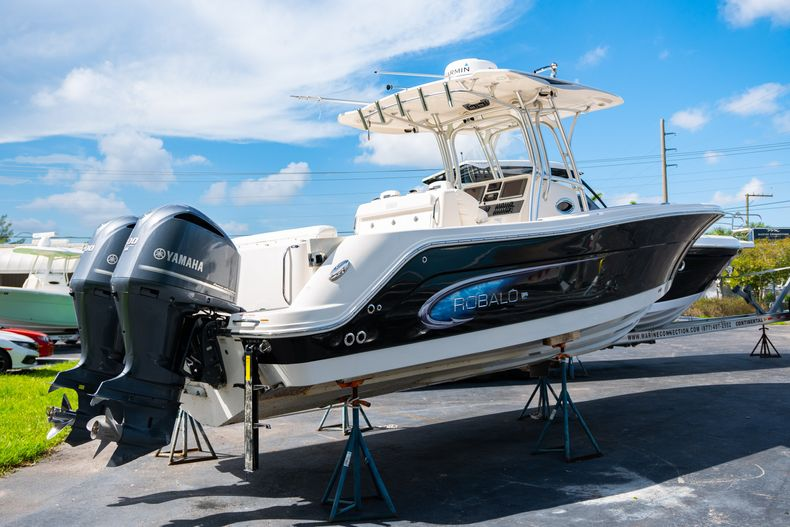 Image 2 for 2014 Robalo R300 Center Console in West Palm Beach, FL