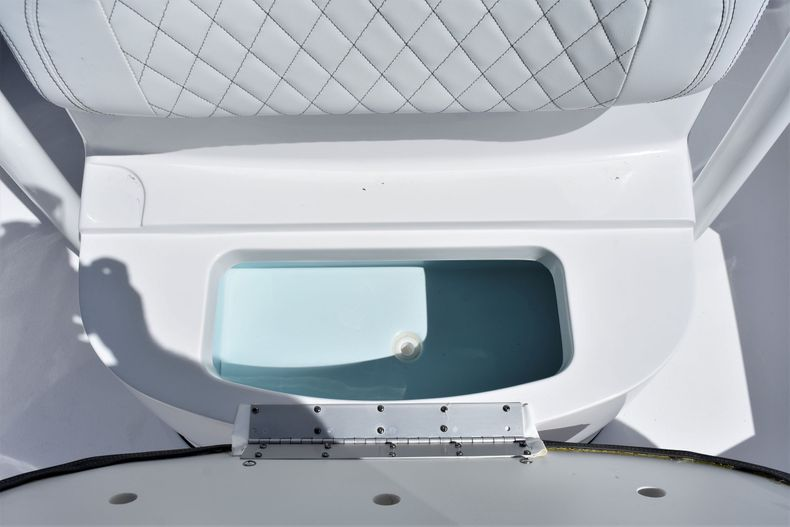 Thumbnail 22 for New 2021 Sportsman Masters 227 Bay Boat boat for sale in Vero Beach, FL