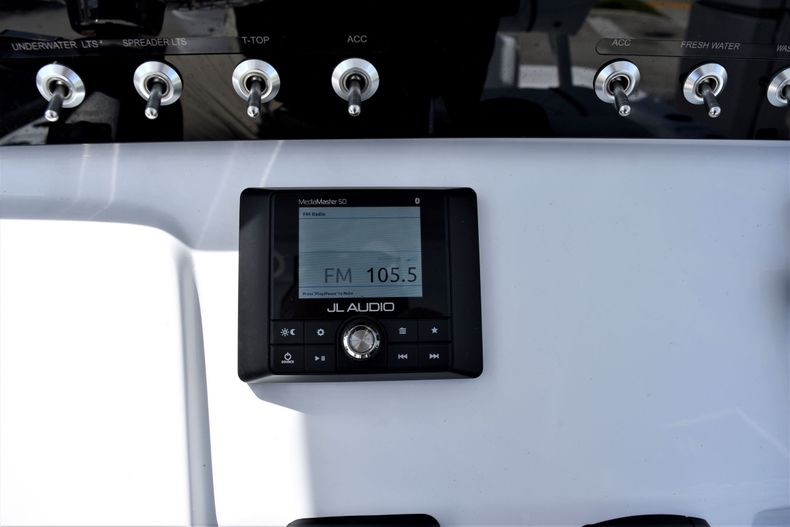 Thumbnail 28 for New 2021 Sportsman Masters 227 Bay Boat boat for sale in Vero Beach, FL