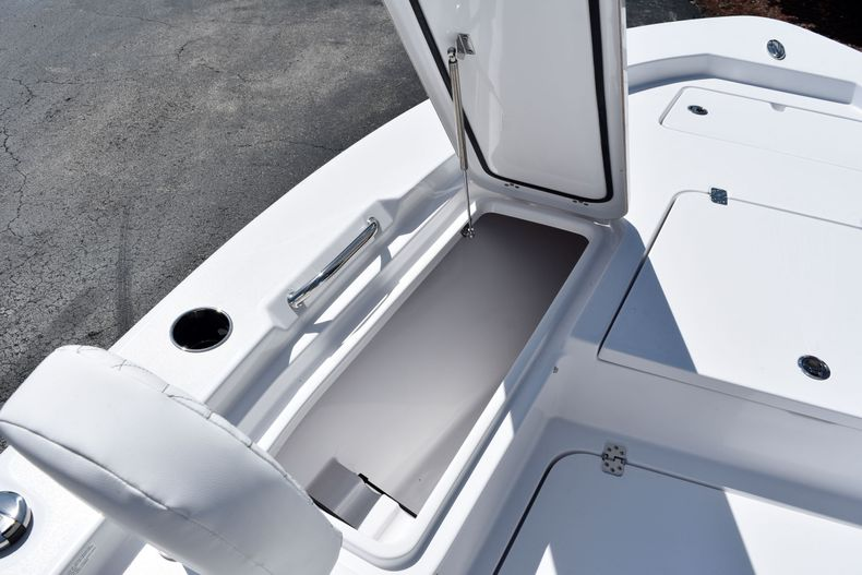 Thumbnail 20 for New 2021 Sportsman Masters 227 Bay Boat boat for sale in Vero Beach, FL