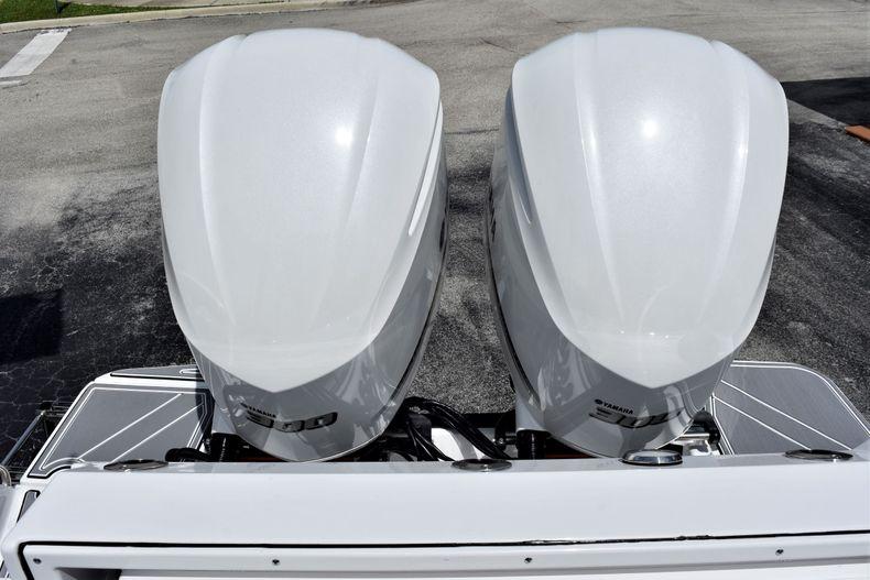 Thumbnail 34 for New 2021 Blackfin 272CC boat for sale in Vero Beach, FL