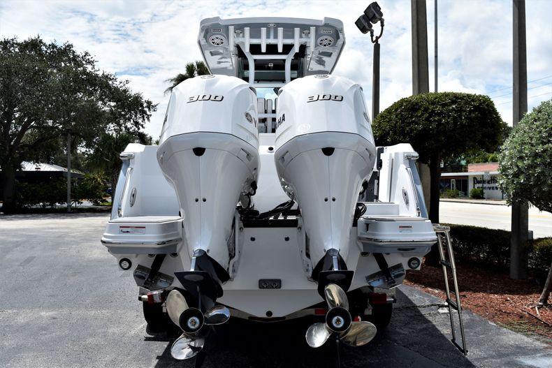 Thumbnail 7 for New 2021 Blackfin 272CC boat for sale in Vero Beach, FL
