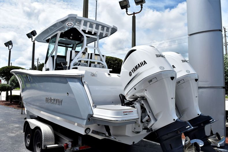 Thumbnail 6 for New 2021 Blackfin 272CC boat for sale in Vero Beach, FL