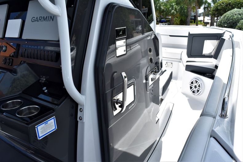 Thumbnail 23 for New 2021 Blackfin 272CC boat for sale in Vero Beach, FL