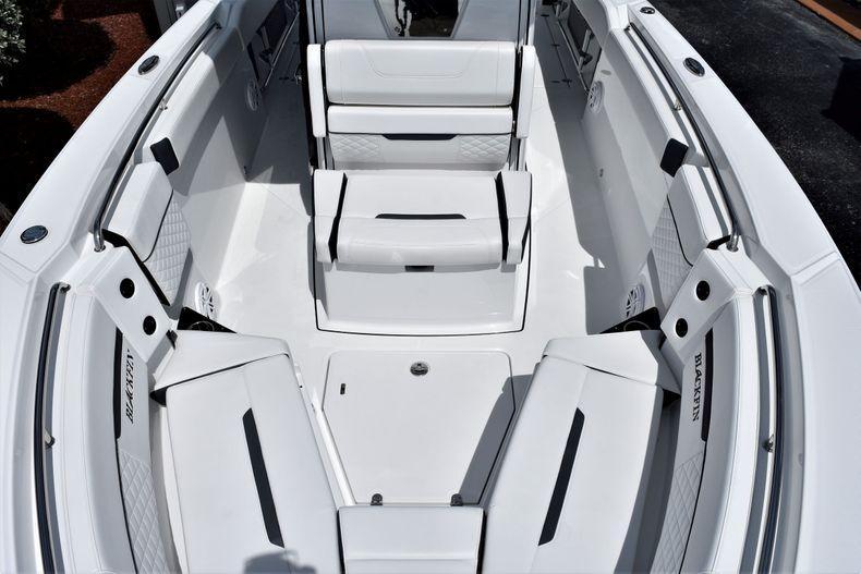 Thumbnail 4 for New 2021 Blackfin 272CC boat for sale in Vero Beach, FL